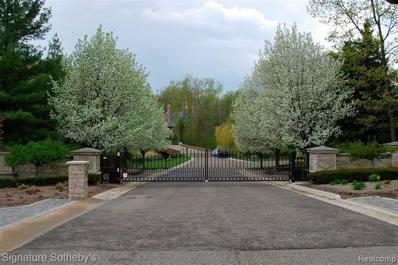 589 Barrington Park, Bloomfield Hills, MI 48304 - MLS#: 21384267
