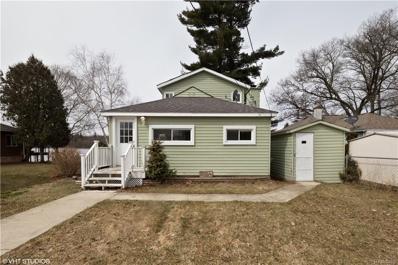 820 Pine Ave, Lake Orion, MI 48362 - MLS#: 21429859