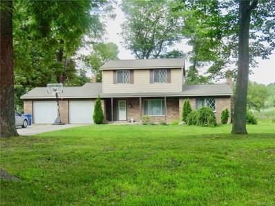 1725 Maple Heights Dr, White Lake, MI 48386 - MLS#: 21486376