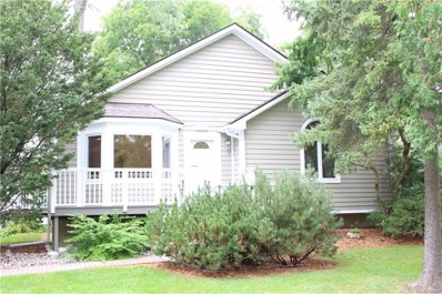 2724 Hickory Lawn Rd, Rochester Hills, MI 48307 - MLS#: 21494090