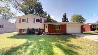 16505 Country Club Dr, Livonia, MI 48154 - MLS#: 21498179
