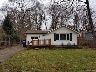 821 Hillwood, White Lake, MI 48383 - MLS#: 21532839