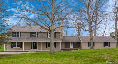 6472 Carriage Hill Dr, Grand Blanc, MI 48439 - MLS#: 21655060