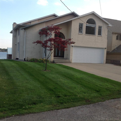 3935 Lake Front, Waterford, MI 48328 - MLS#: 31333266