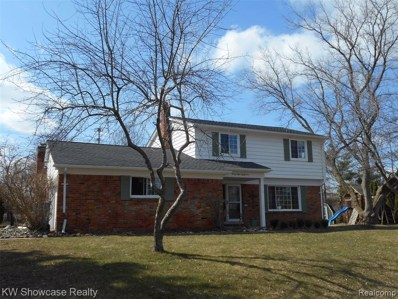 3885 Lake Oakland Shores Dr, Waterford, MI 48329 - MLS#: 40039190