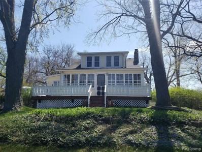 350 Oak Island Dr, Wolverine Lake, MI 48390 - MLS#: 40052503
