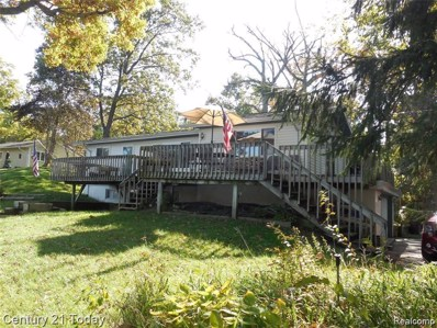 220 Oak Island, Wolverine Lake, MI 48390 - MLS#: 40076449