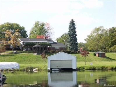 2485 N Lake Angelus, Lake Angelus, MI 48326 - MLS#: 218043296