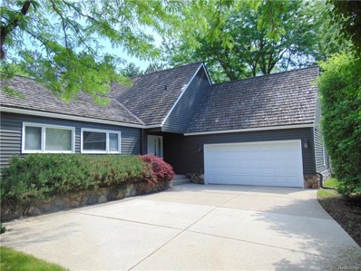 7425 Pinehurst Circle, Bloomfield Twp, MI 48301 - MLS#: 218047858