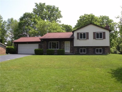 672 W Oxhill Drive, White Lake Twp, MI 48386 - MLS#: 218054166