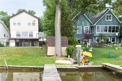 386 Lakeview Drive, White Lake Twp, MI 48386 - MLS#: 218055629