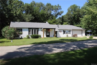 860 Cedar Bay Court, White Lake Twp, MI 48386 - MLS#: 218081412