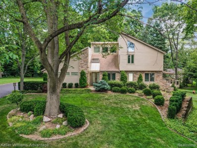 5820 Bravo Court, Orchard Lake Village, MI 48324 - #: 219080205
