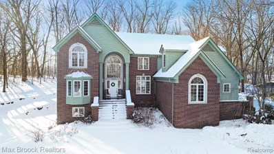 5443 Possum Lane, West Bloomfield Twp, MI 48324 - #: 2200005111