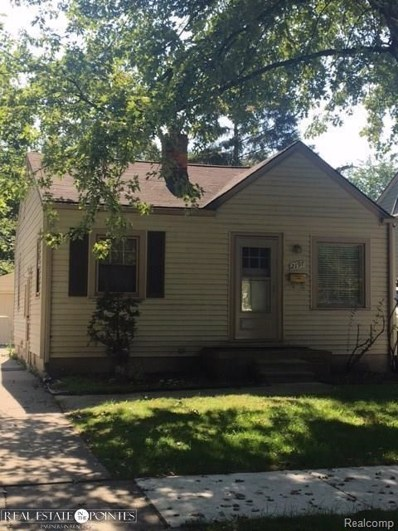 2197 Roslyn, Grosse Pointe Woods, MI 48236 - MLS#: 58031355703