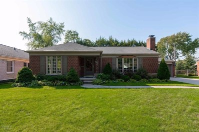 19817 Holiday, Grosse Pointe Woods, MI 48236 - MLS#: 58031361974