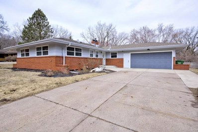 645 Pineview Court, Roseville, MN 55113 - MLS#: 5209370