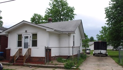52 W Beach Avenue, Wood River, IL 62095 - #: 18038966