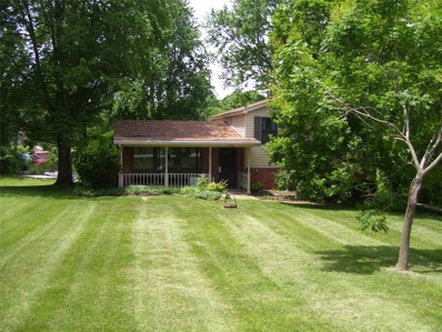 719 E Lake Drive, Edwardsville, IL 62025 - #: 18046092