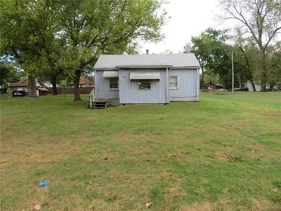 453 Pershing Avenue, Wood River, IL 62095 - MLS#: 18078648
