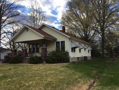 529 E Leonard, Staunton, IL 62088 - #: 19030383