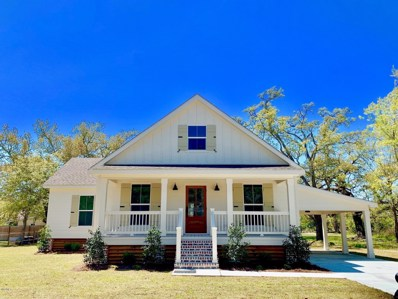 305 Hoffman Ln, Waveland, MS 39576 - MLS#: 334892