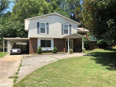 208 Foxcroft Drive, Winston Salem, NC 27103 - #: 943312