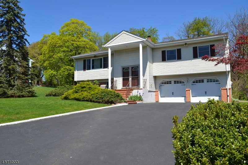 16 LAUREL CT, Verona Twp.