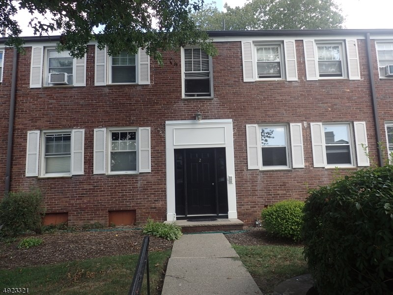 349 BLOOMFIELD AVE unit 11