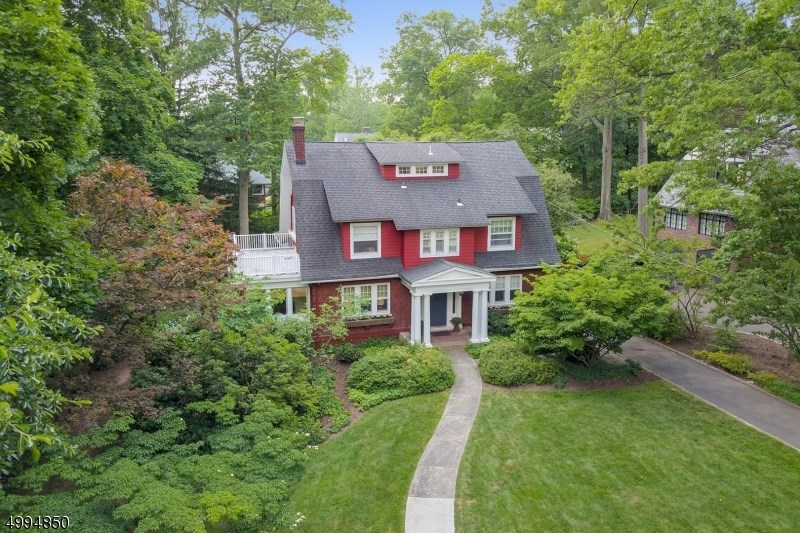 52 CURTISS PL, Maplewood Twp.