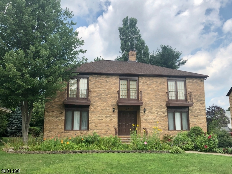63 INDEPENDENCE CT, Clifton City