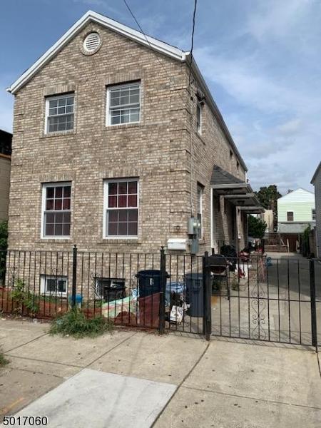 9 Nichols Street, Newark City