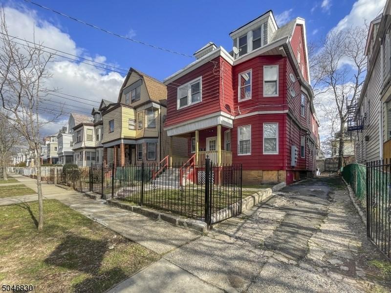 44-46 Baldwin Ave, Newark City