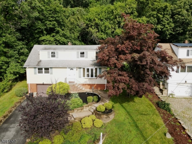 24 Cresthill Rd