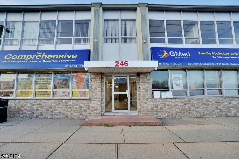 246 Clifton Ave, Clifton City
