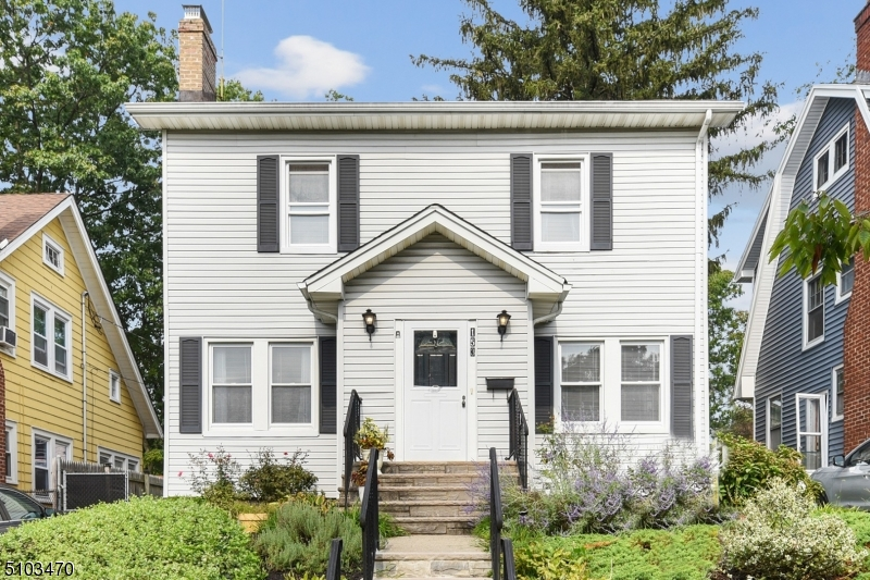 153 Fairview Ave