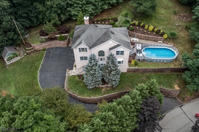 35 Beacon  Commons Hl, Pompton Lakes Boro, NJ 07442 - #: 3744446