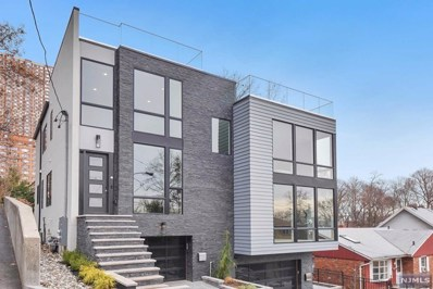 14 HOOKS Lane, Edgewater, NJ 07020 - MLS#: 1808559