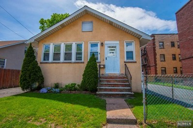 66 E CLINTON Avenue, Bergenfield, NJ 07621 - MLS#: 1819232