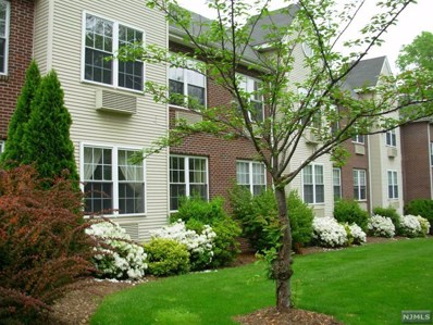 25 CREST Street UNIT 102, Westwood, NJ 07675 - MLS#: 1819350