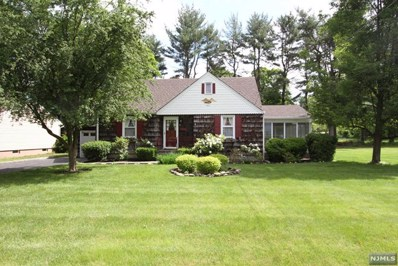 17 GROVE Street, Oakland, NJ 07436 - MLS#: 1823189
