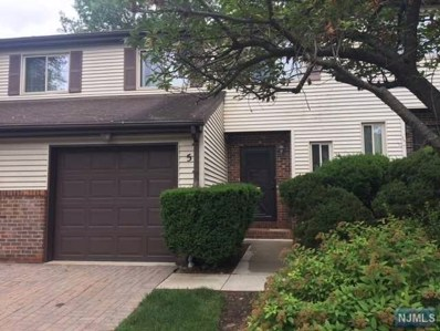 5 HAMPTON Court, Twp of Washington, NJ 07676 - MLS#: 1827004