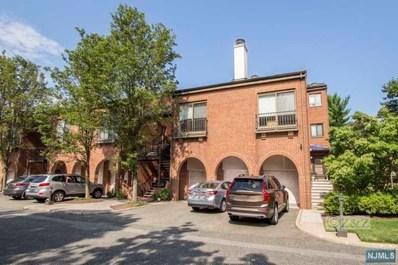 2 LAWRENCE Court, Teaneck, NJ 07666 - MLS#: 1827935