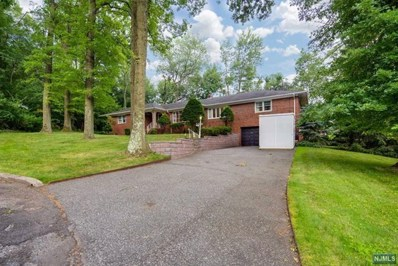 24 CLOVER Court, Cedar Grove, NJ 07009 - MLS#: 1828225