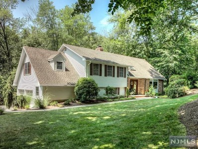 1 SPRING Court, Old Tappan, NJ 07675 - MLS#: 1830237