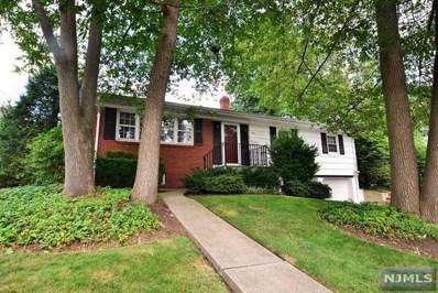 433 HOOVER Avenue, Twp of Washington, NJ 07676 - MLS#: 1831775