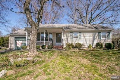 321 HOOVER Avenue, Twp of Washington, NJ 07676 - MLS#: 1833134