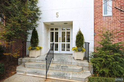 5 ROOSEVELT Place UNIT 2M, Montclair, NJ 07042 - MLS#: 1839619