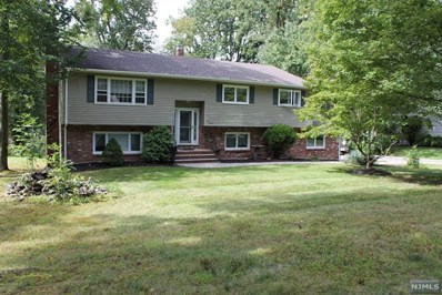 612 HOOVER Avenue, Twp of Washington, NJ 07676 - MLS#: 1841454