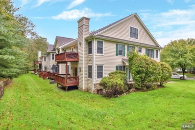 17 WOODS EDGE Road, Old Tappan, NJ 07675 - MLS#: 1843093